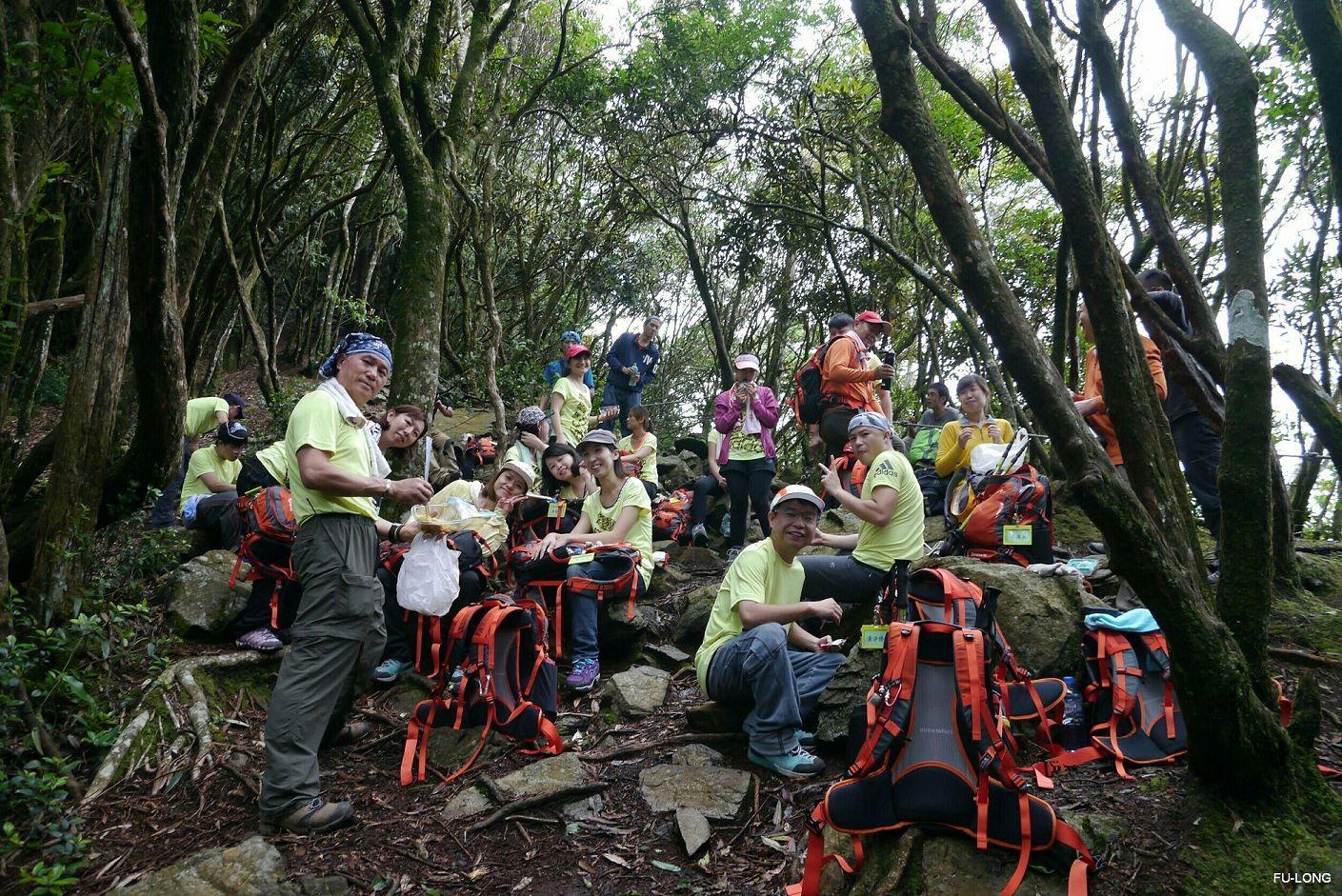 proimages/2016-08-20_Eagle_Mt_climbing/04_Eagle_mt.-lunch.jpg